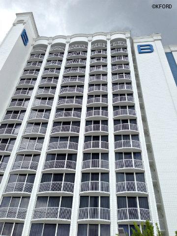disney-world-b-hotel-facade.jpg