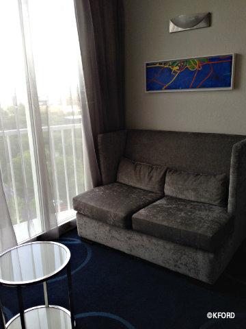 disney-world-b-hotel-fold-out-couch.jpg