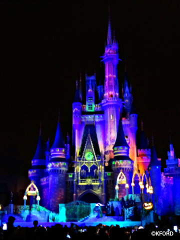disney-world-halloween-hocus-pocus-castle.jpg
