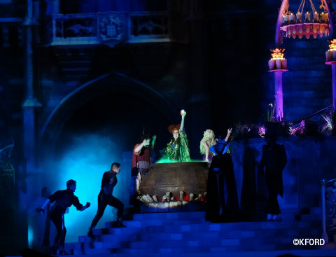 disney-world-halloween-hocus-pocus-sanderson-sisters-3.jpg