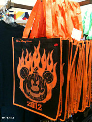 disney-world-halloween-treat-bag-1.jpg