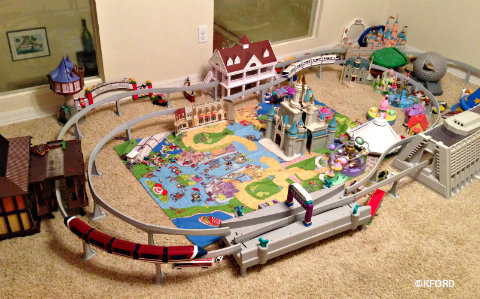 disney-world-monorail-play-set.jpg