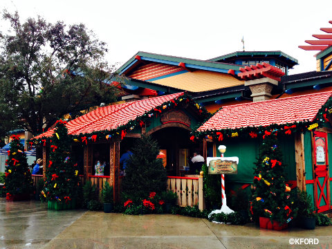 disney-world-santas-chalet-facade.jpg