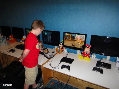 disney-world-video-games-kids-club.jpg