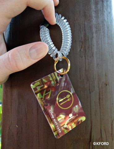 epcot-food-wine-festival-wristlet-gift-card-2016.jpg