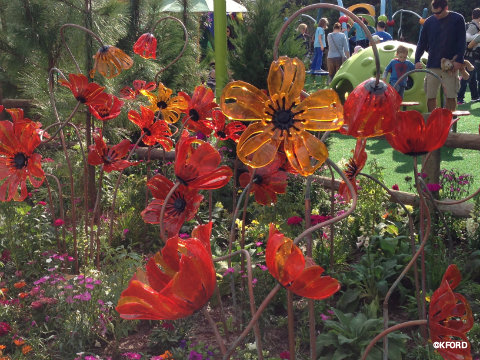 epcot-oz-garden-glass-poppies.jpg