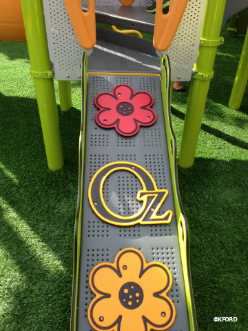 epcot-oz-garden-play-structure-ramp.jpg