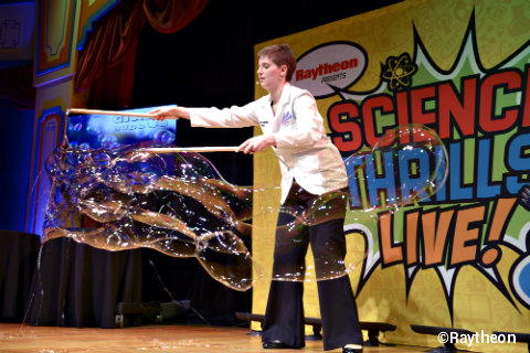 epcot-science-thrills-live-bubbles.jpg