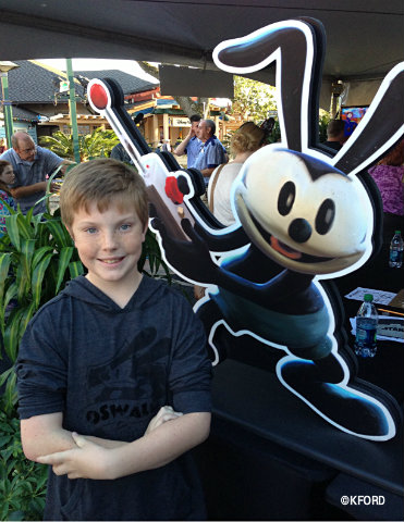 epic-mickey2-carter-and-oswald.jpg