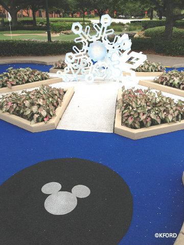 fantasia-gardens-snowflake.jpg