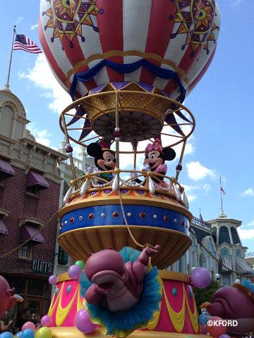 festival-of-fantasy-parade-mickey-minnie.jpg