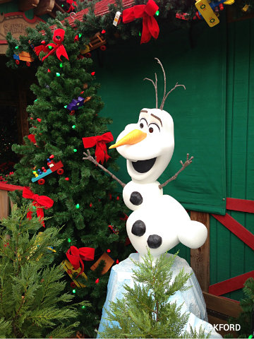 frozen-olaf-at-santas-chalet.jpg