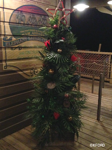 jingle-cruise-palm-christmas-tree.jpg