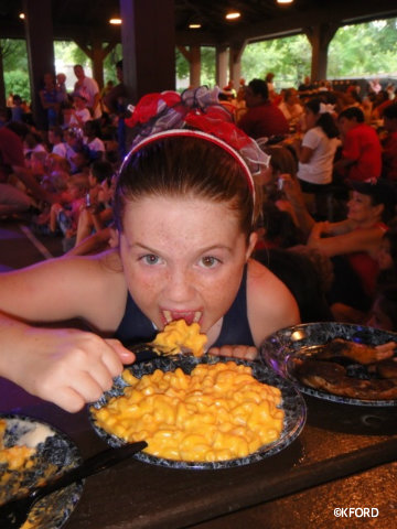 mickeys-backyard-bbq-mac-n-cheese.jpg
