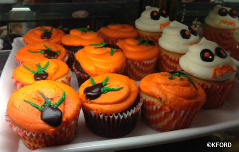 mickeys-halloween-party-cupcakes.jpg