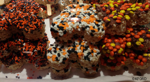mickeys-halloween-party-rice-krispie-cookies.jpg