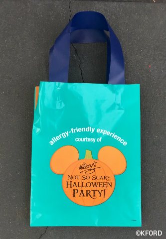mickeys-not-so-scary-halloween-party-allergy-friendly-treat-bag.jpg