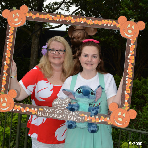 mickeys-not-so-scary-halloween-party-frame-photo-op.jpg