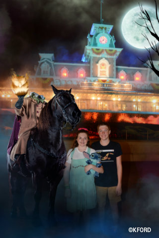 mickeys-not-so-scary-halloween-party-headless-horseman-magic-shot.jpg