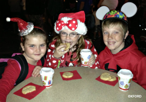 mickeys-very-merry-christmas-party-cookies-cocoa.jpg