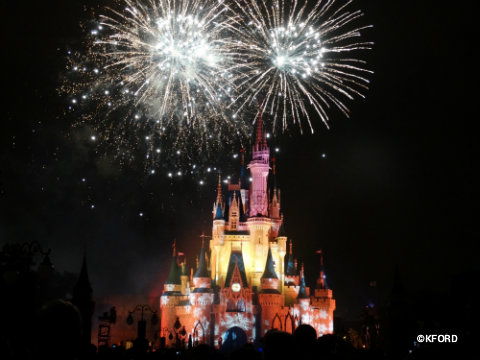 mickeys-very-merry-christmas-party-holiday-wishes-2.jpg