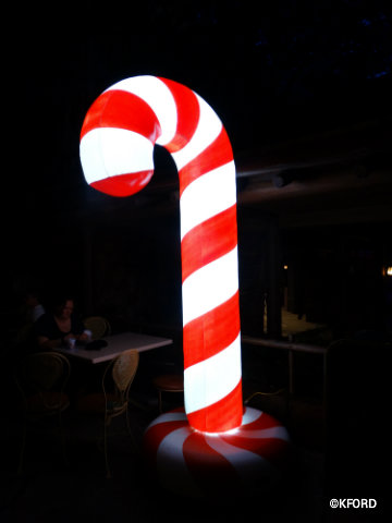 mickeys-very-merry-christmas-party-lighted-candy-canes.jpg