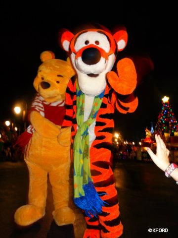 mickeys-very-merry-christmas-party-pooh-tigger-parade.jpg