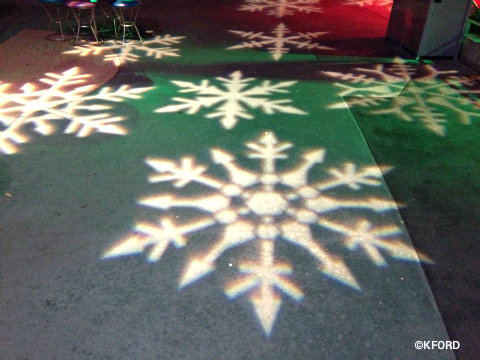 mickeys-very-merry-christmas-party-snowflakes.jpg