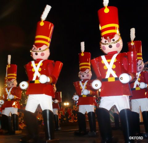 mickeys-very-merry-christmas-party-toy-soldiers-2015.jpg