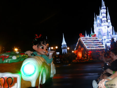 mickeys-very-merry-christmas-party-vanellope-wreck-it-ralph-parade.jpg