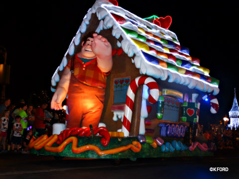 mickeys-very-merry-christmas-party-wreck-it-ralph-float.jpg