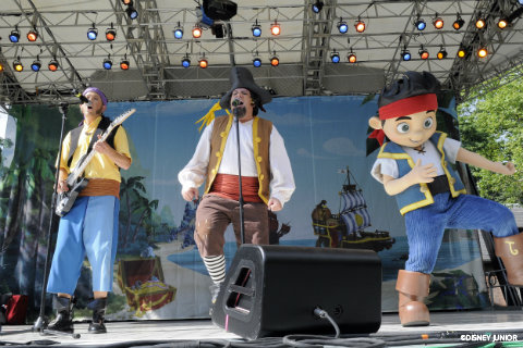 never-land-pirate-band-on-stage.jpg