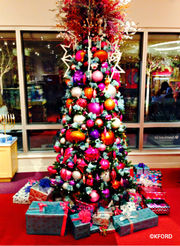 orlando-american-girl-christmas-tree.jpg