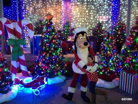 osborne-lights-santa-goofy.jpg