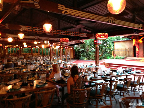 polynesian-luau-seating1.jpg