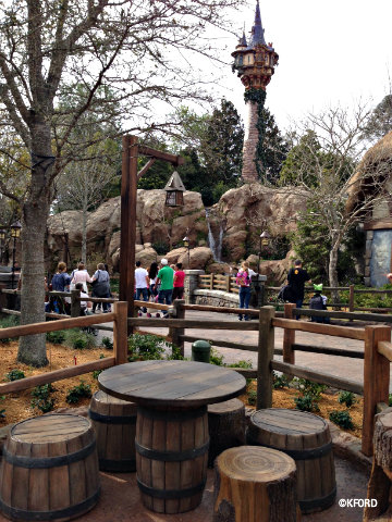 rapunzel-restrooms-seating-area.jpg