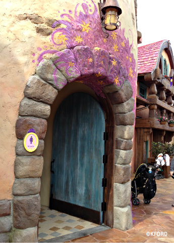 rapunzel-restrooms-womens-door.jpg