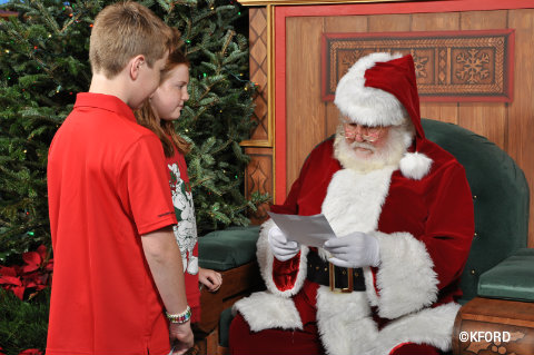 santa-reading-letter-from-carter-and-lauren.jpg