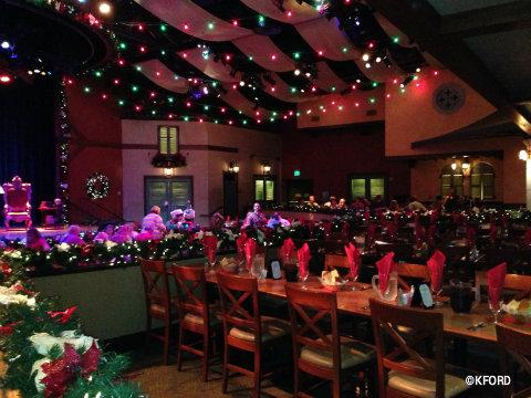 santas-fireside-feast-room.jpg