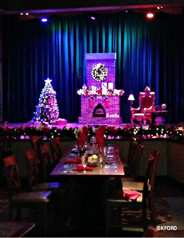 santas-fireside-feast-stage.jpg
