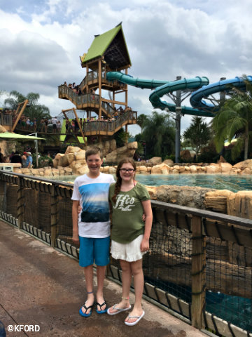 seaworld-aquatica-orlando-carter-lauren.jpg