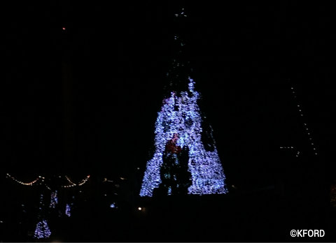 seaworld-christmas-celebration-sea-of-trees-rudolph-clarice.jpg