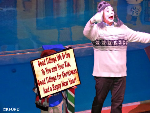 seaworld-christmas-clyde-and-seamore-mime.jpg