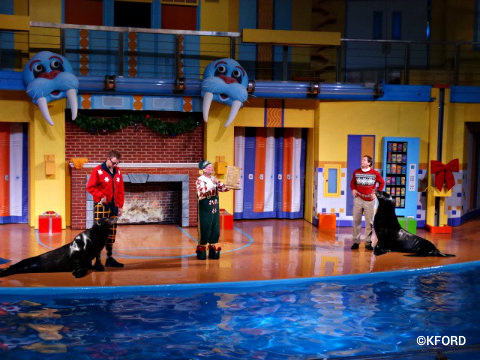 seaworld-christmas-clyde-and-seamore.jpg