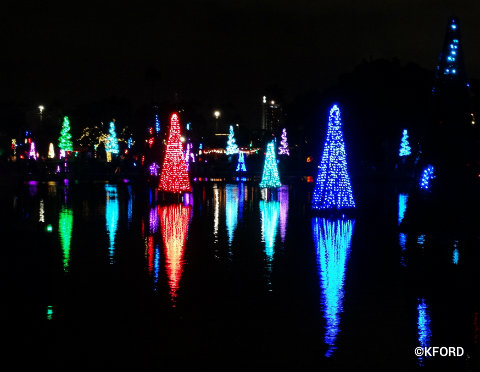 seaworld-christmas-sea-of-trees-2015.jpg