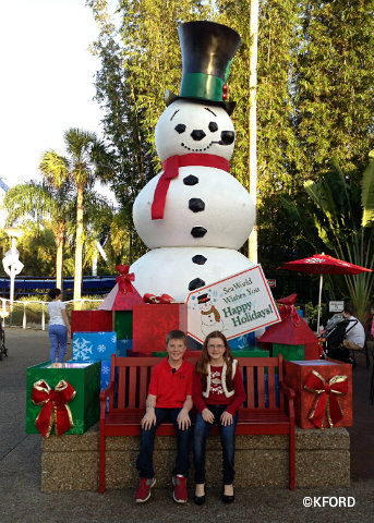 seaworld-christmas-snowman-photo-op.jpg