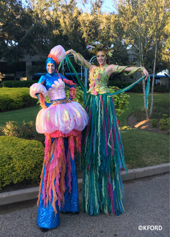 seaworld-halloween-spooktacular-stilt-walkers.jpg