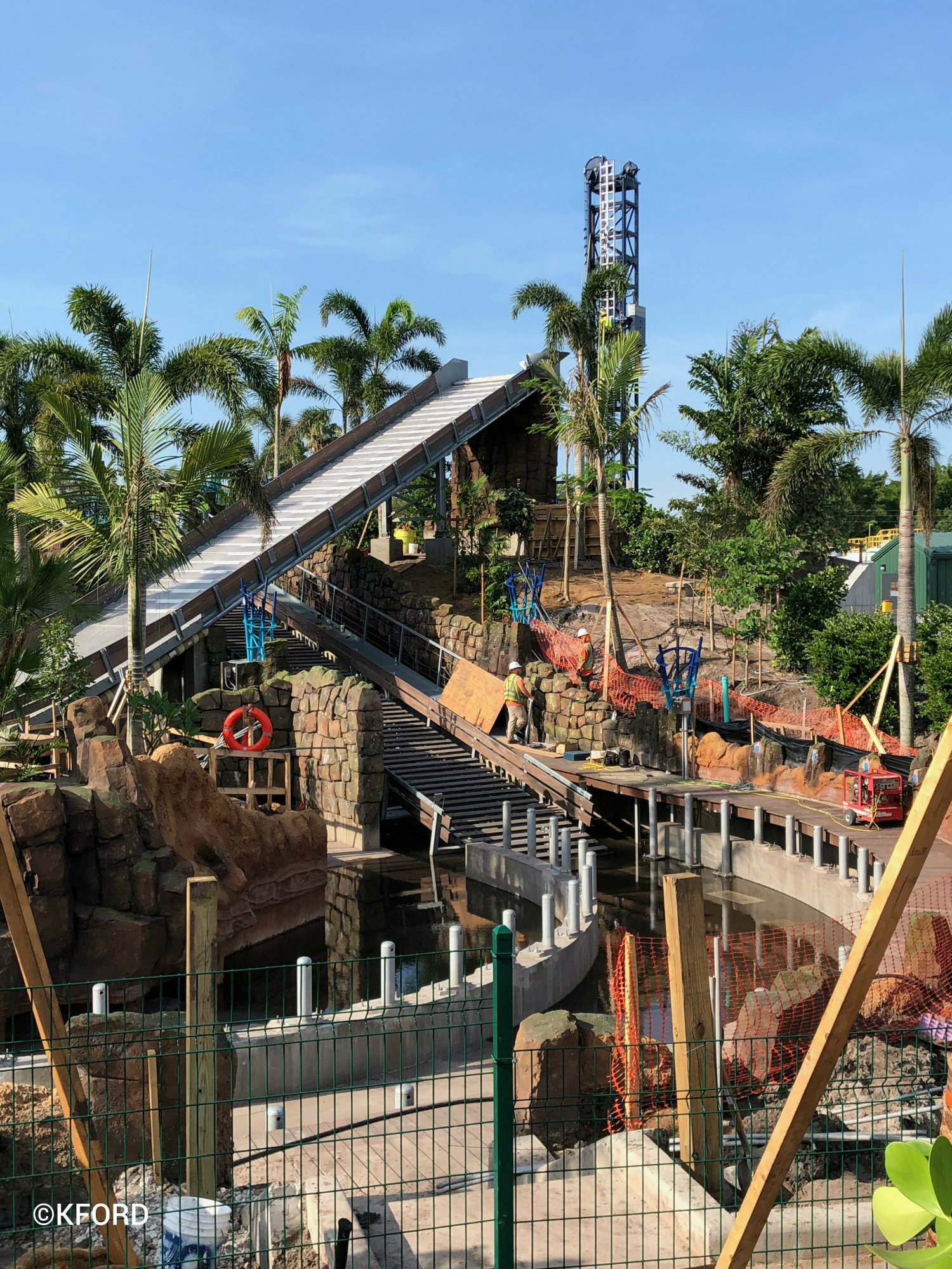 Seaworld Orlando Infinity Falls Lift And Drop