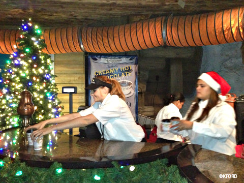 seaworld-polar-express-hot-chocolate.jpg