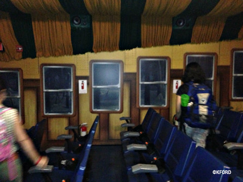 seaworld-polar-express-inside-simulator.jpg